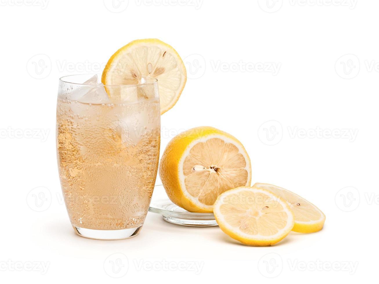 glas kall limonad foto