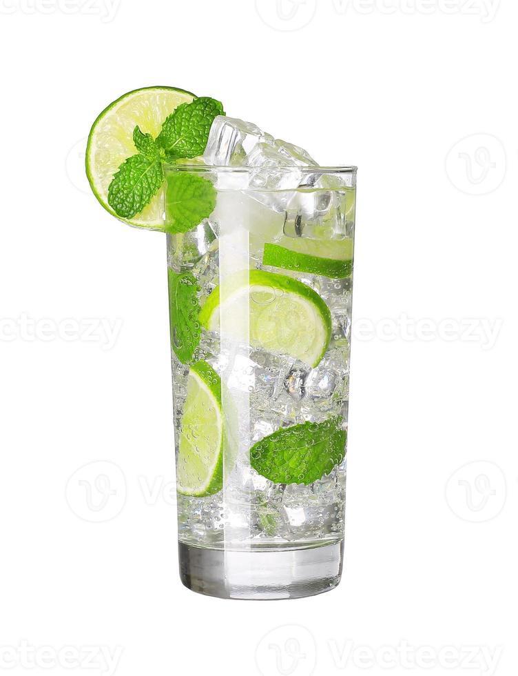 mojito cocktail isolerad foto