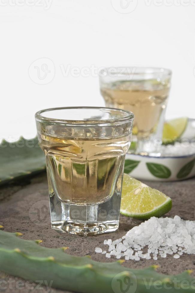 tequila sköt upp på nära håll foto