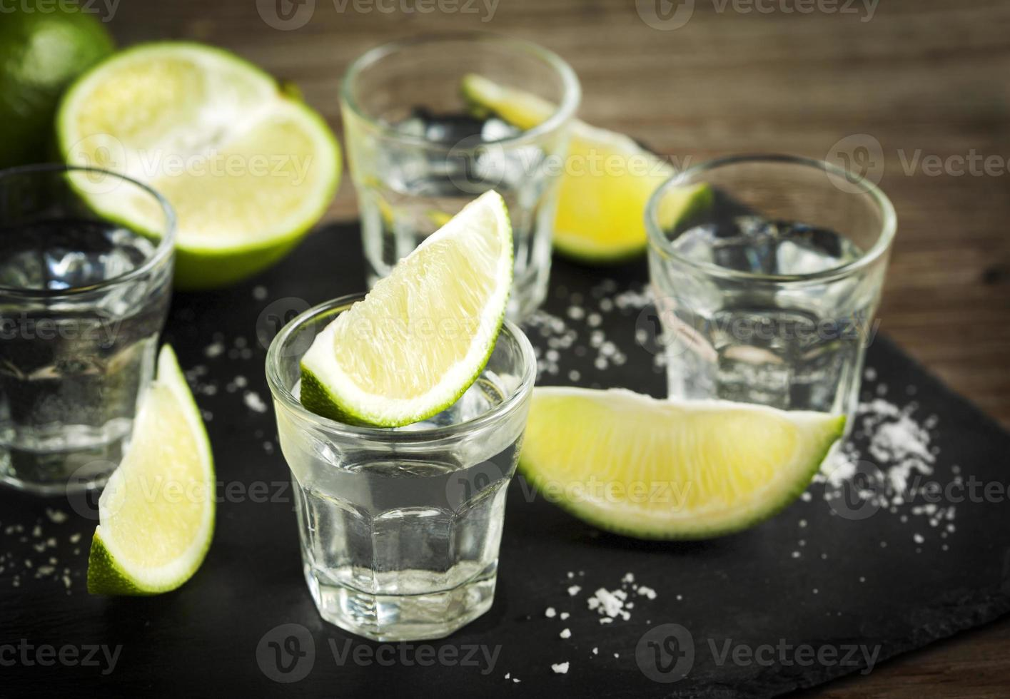 tequila skott med lime foto