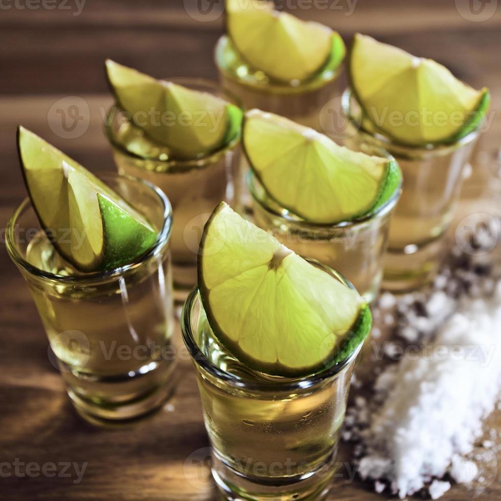 tequila, lime och salt foto
