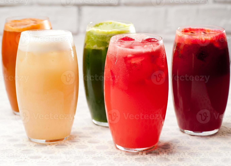 urval av frukt långa drycker foto