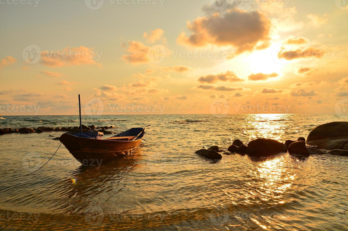 seascape vid solnedgång bakgrund foto