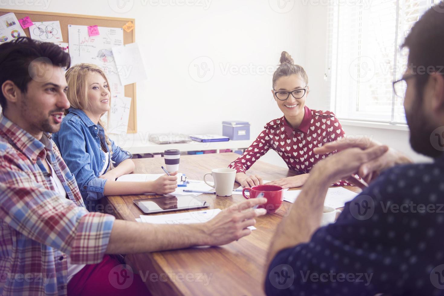 möte i konferensrummet foto