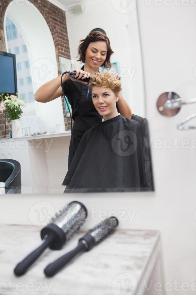 frisör styling kunder hår foto