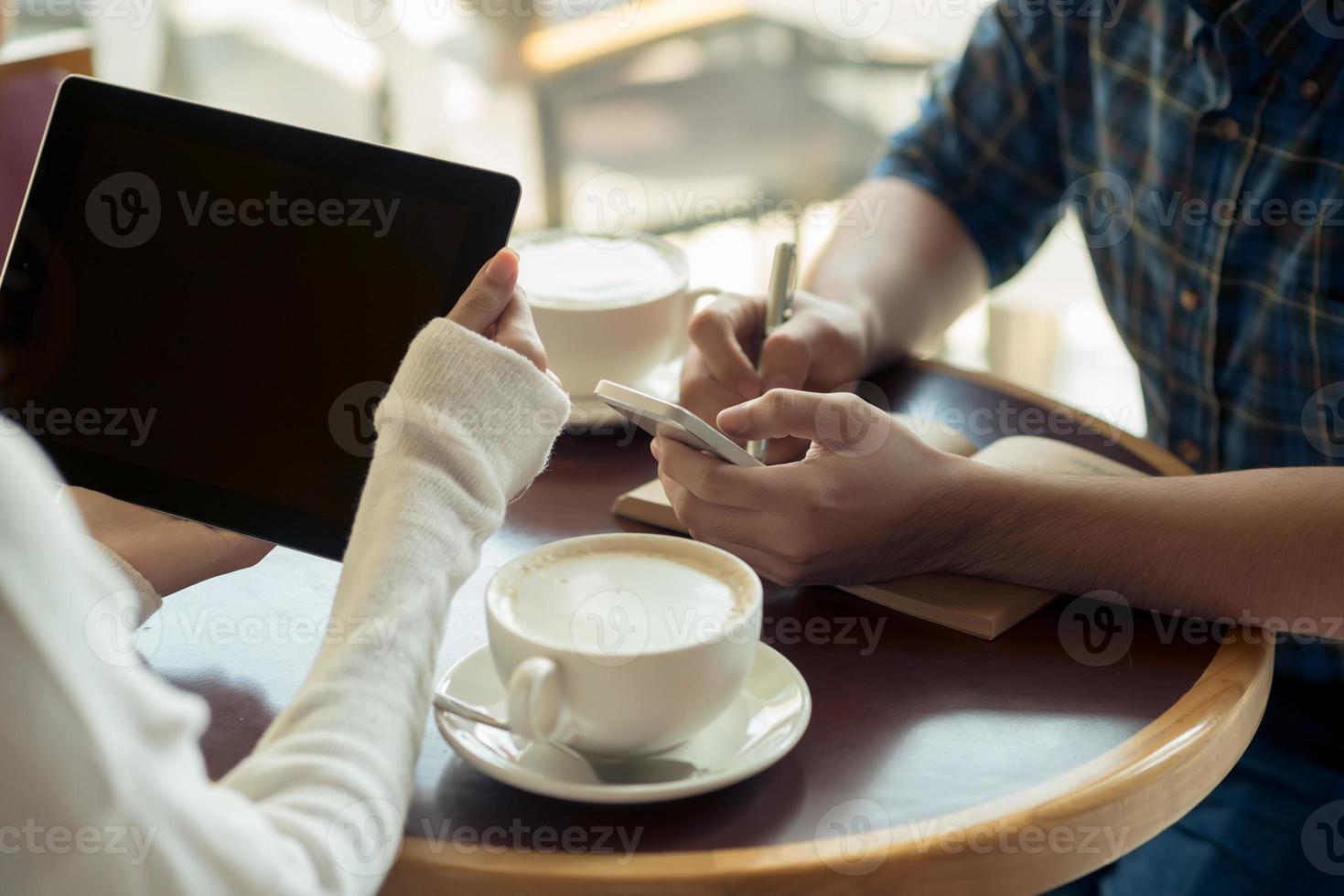 affärsmöte i café foto