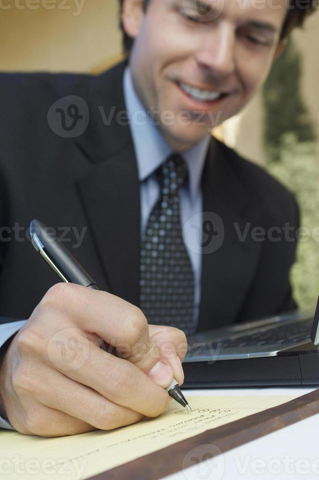 affärsmän på mötet foto