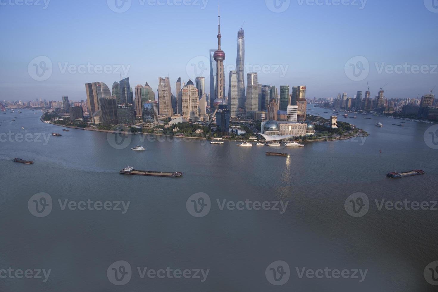 lujiazui runt vid Huangpu River-Shanghai finanscenter foto
