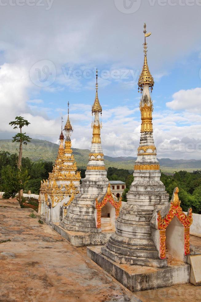 buddhistiska pagoder, myanmar foto