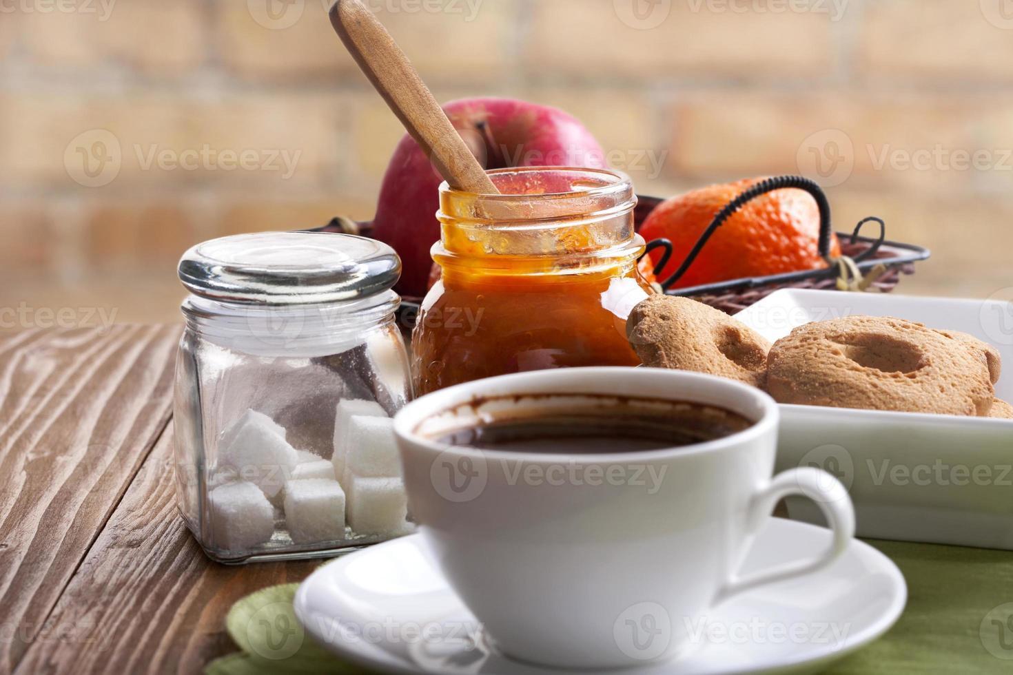 kaffe och snacks foto