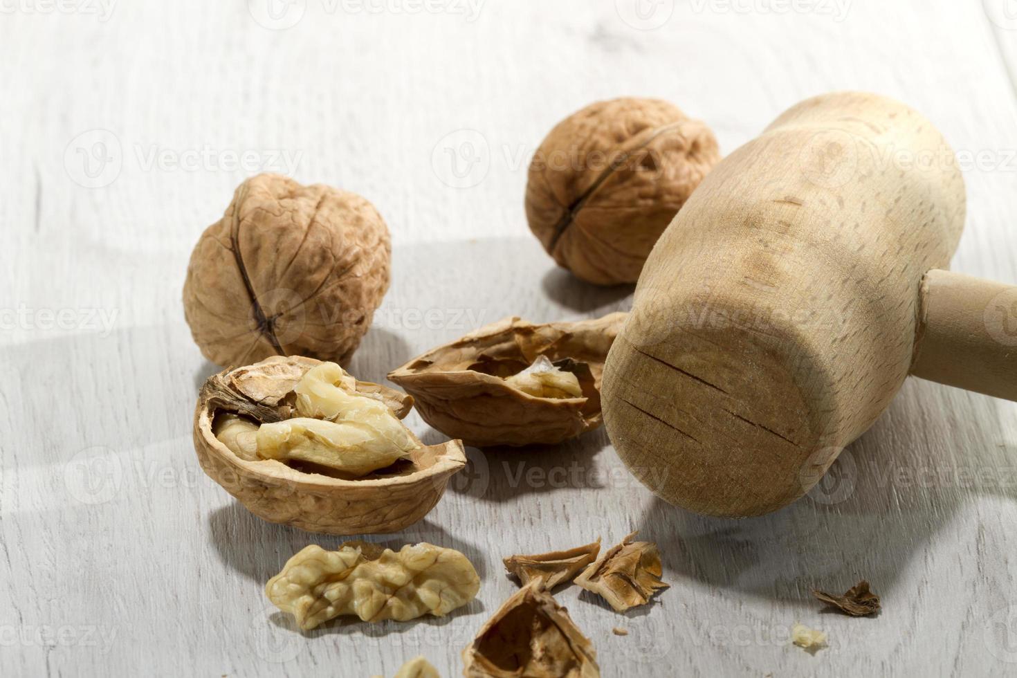 trasiga nötter 2 foto