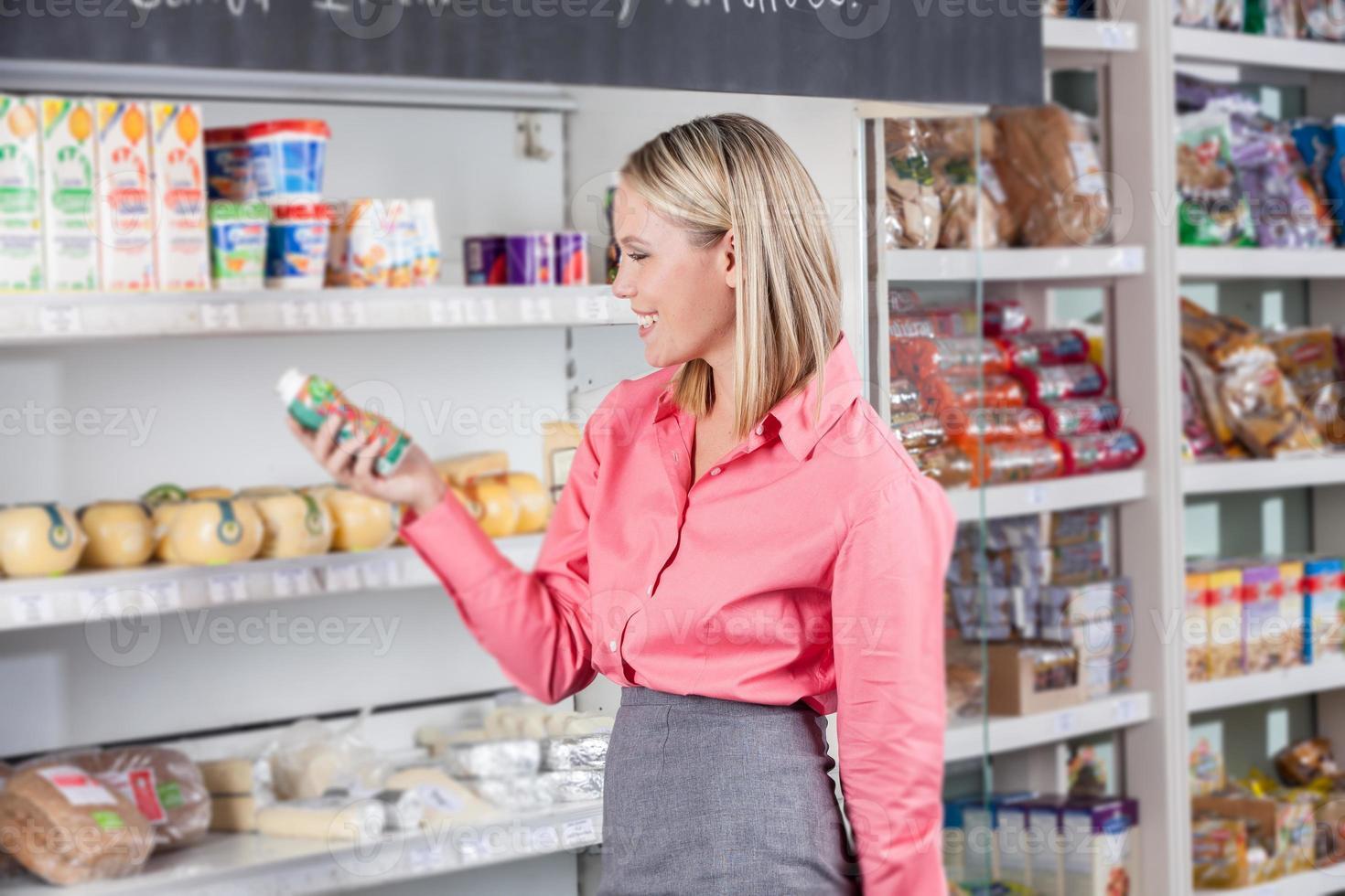 affärskvinna på en marknad foto