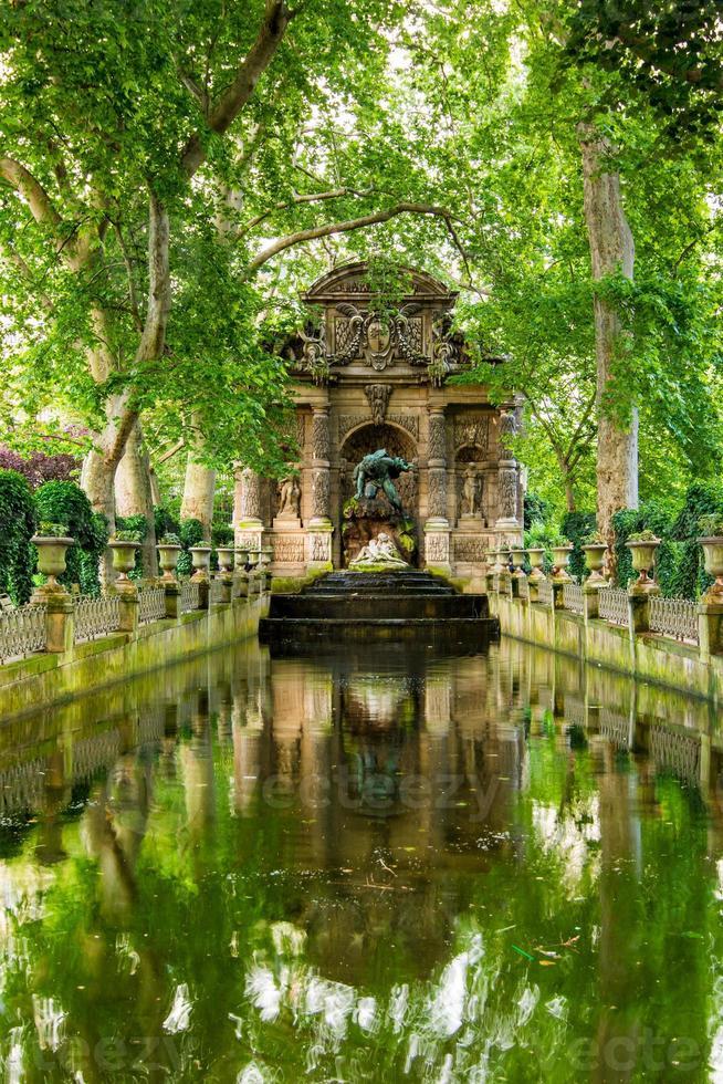 medici fontänen, Paris, Frankrike foto