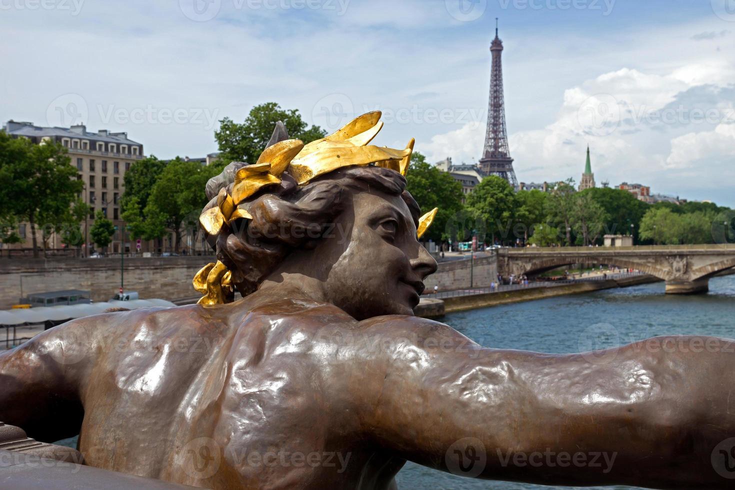 paris - bridge of alexandre iii foto
