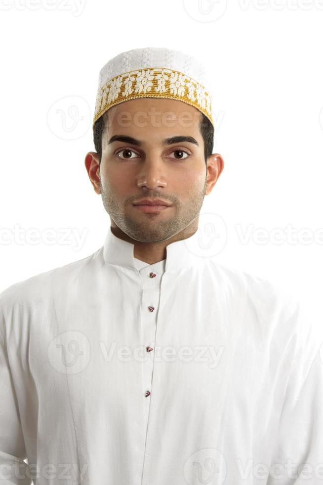 Mellanöstern man bär kulturell klänning foto