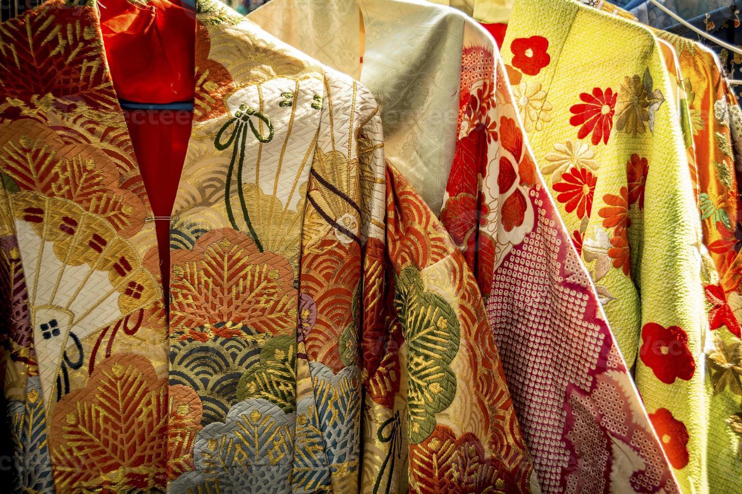 traditionella japanska kläder foto