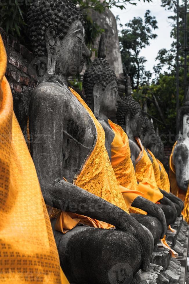 ruin av det forntida buddha templet i Thailand foto