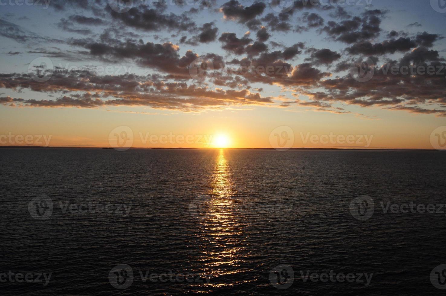 soluppgång sikt i gryningen på fartyget foto