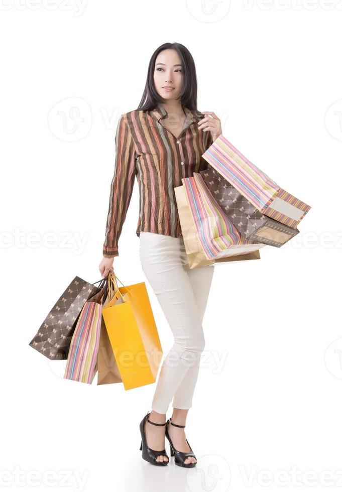 asiatisk shoppingkvinna foto