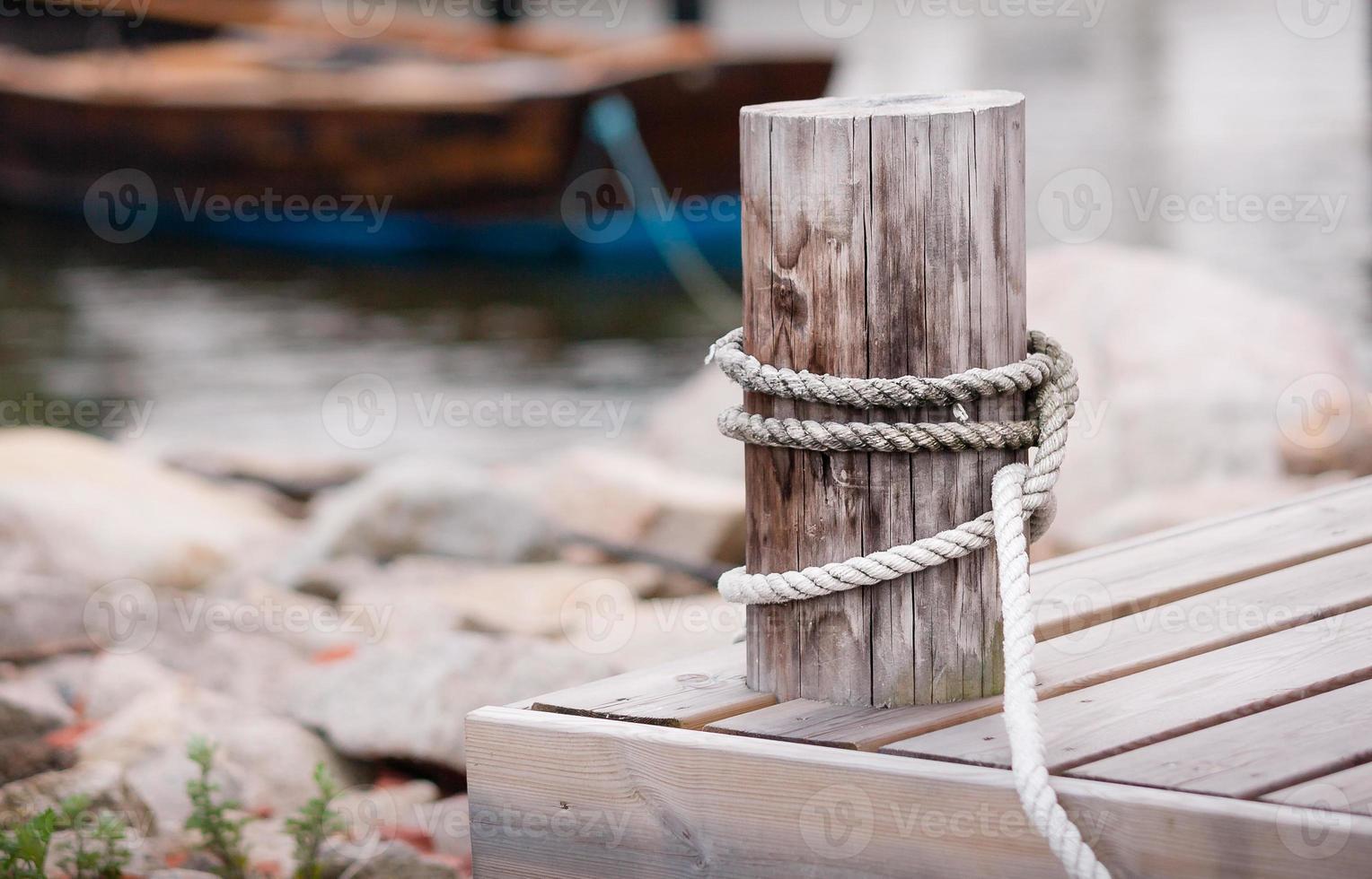 ropo i hamnen foto