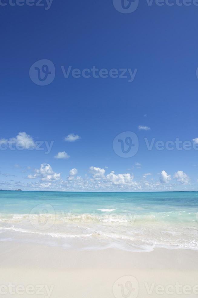 sommartid på stranden foto