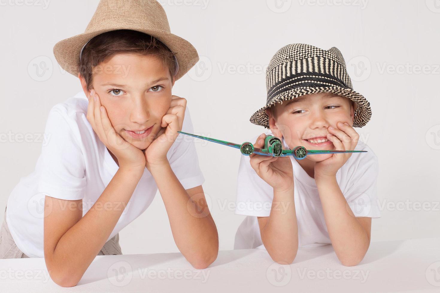 familjeporträtt, två bröder. foto