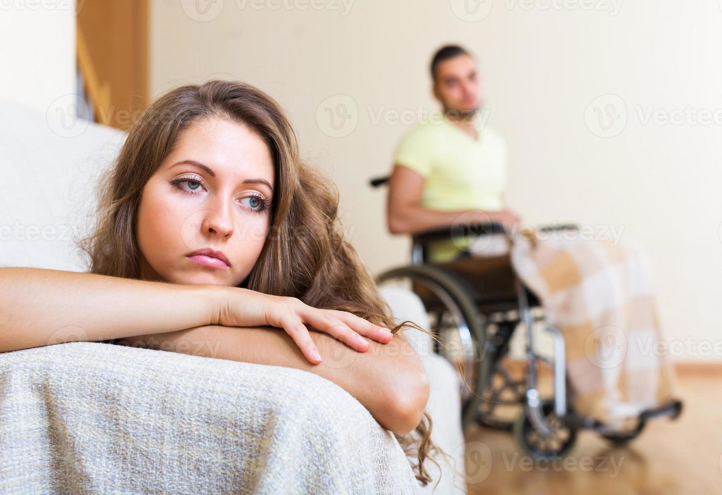 gräl i familjen med handikappade foto
