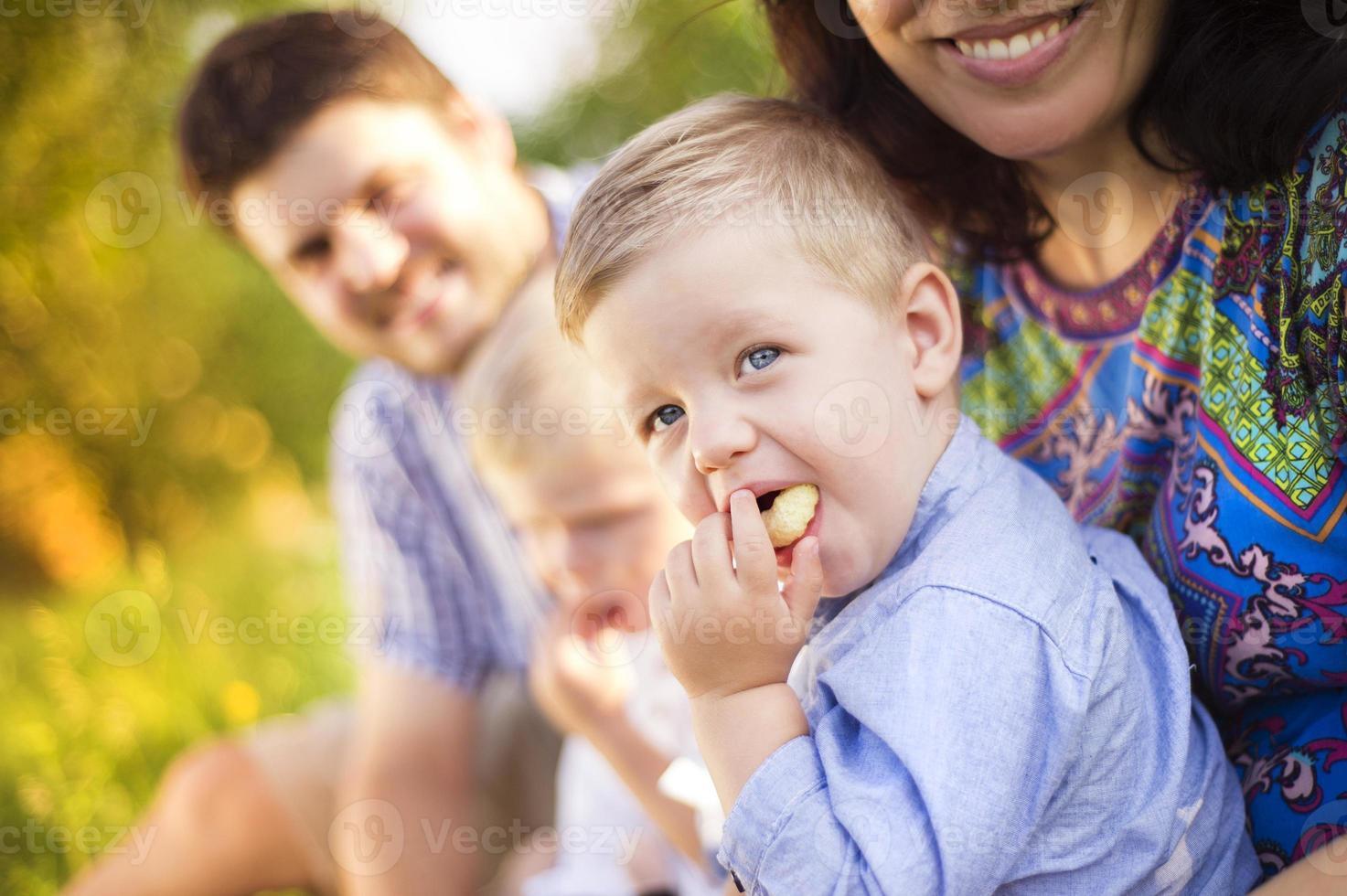 glad familj foto