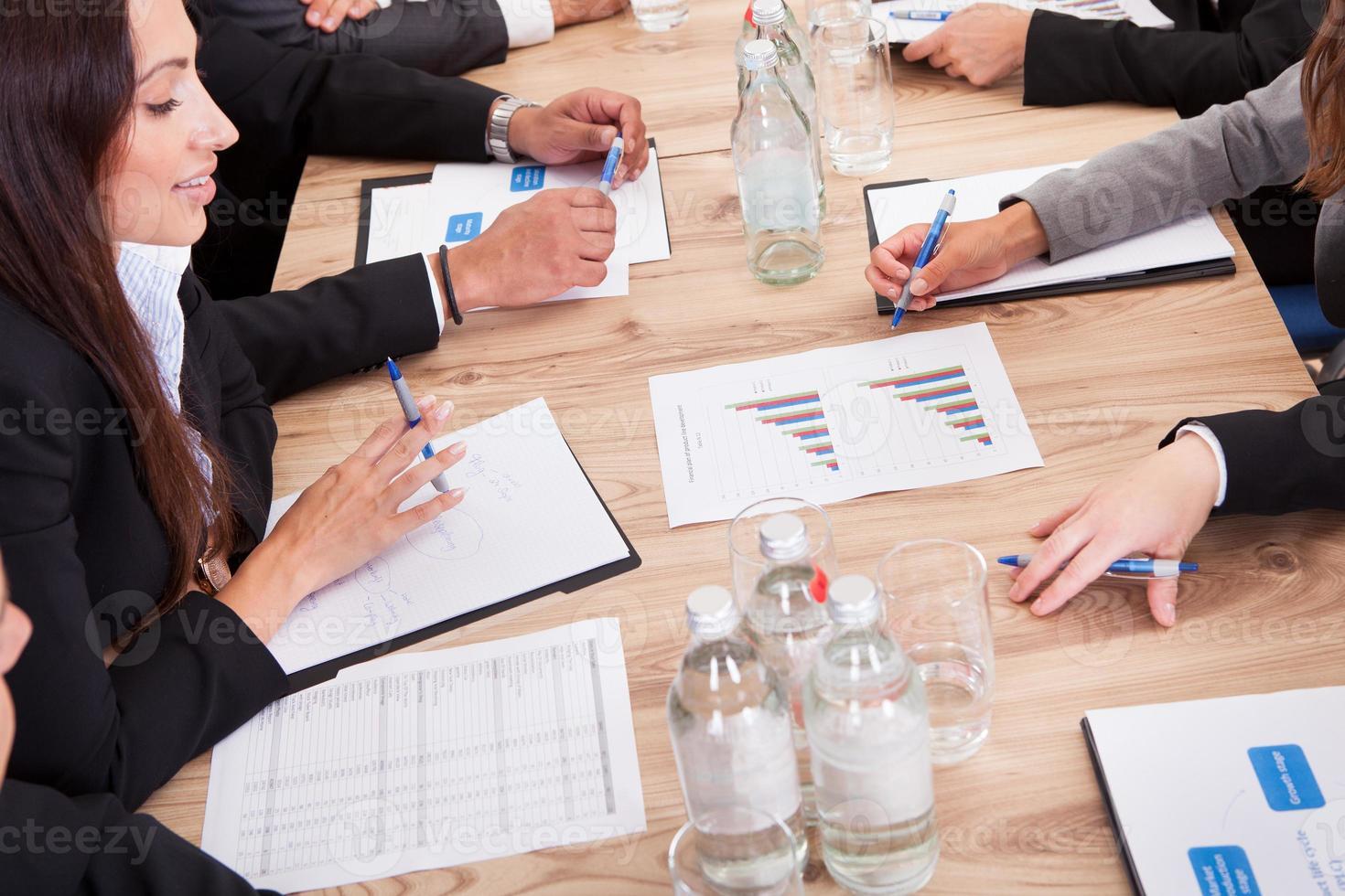 företagare i möte foto