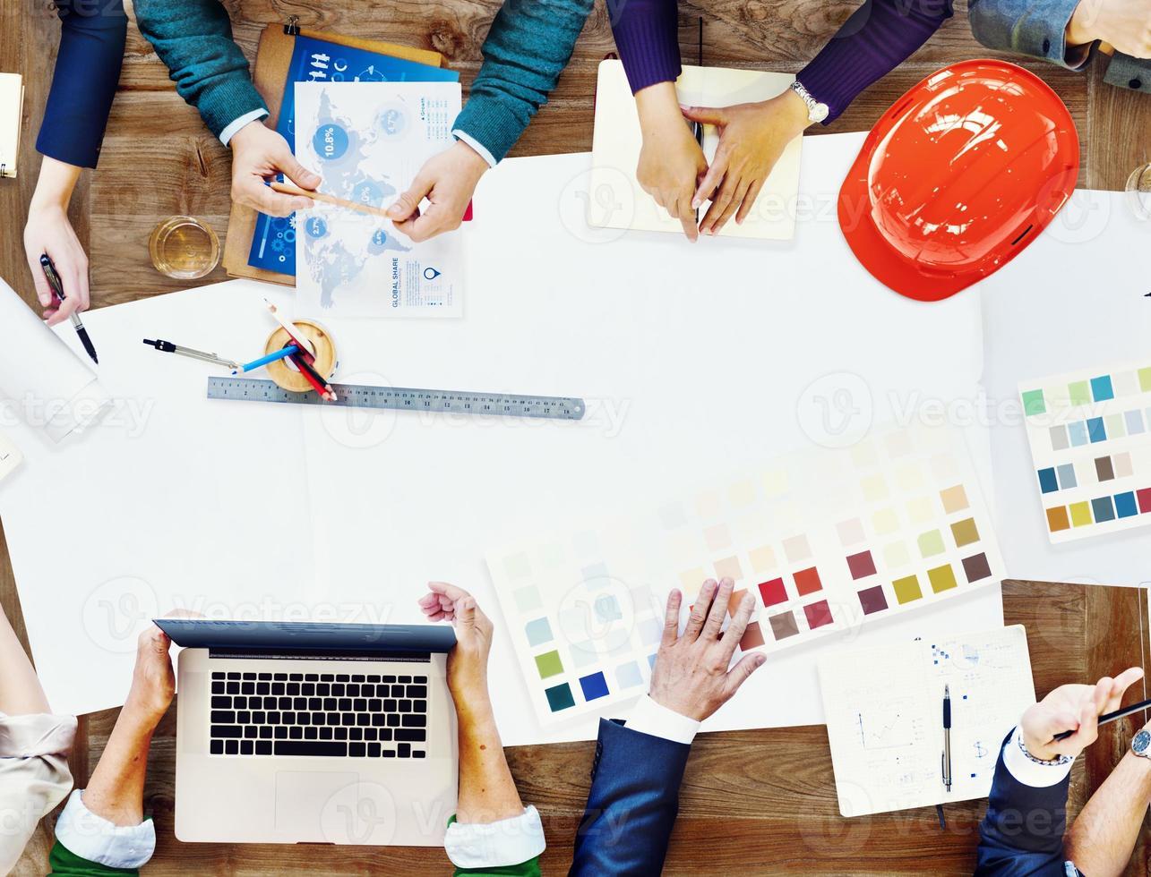 constraction design team möte brainstorming planeringskoncept foto