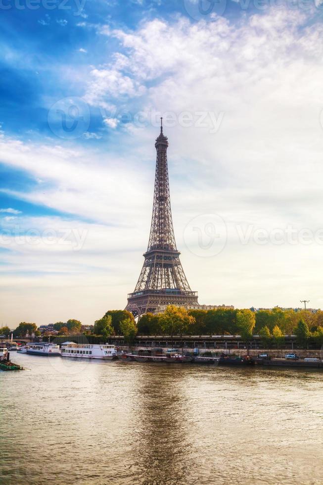 paris stadsbild med eiffeltornet foto