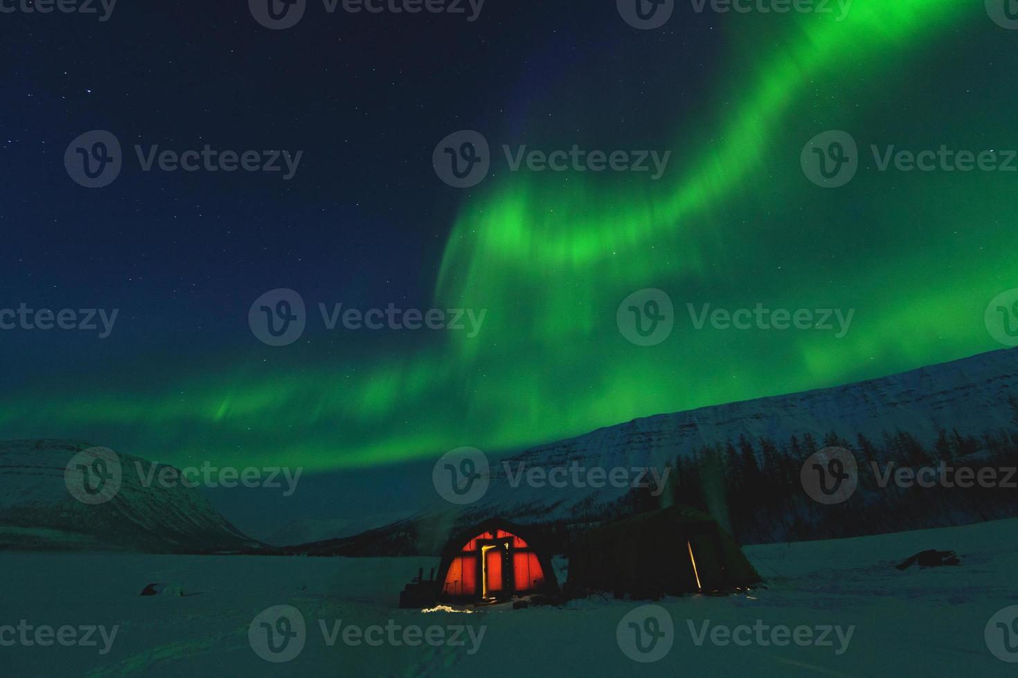 de polära lamporna till Putorana-platån. ryssland foto