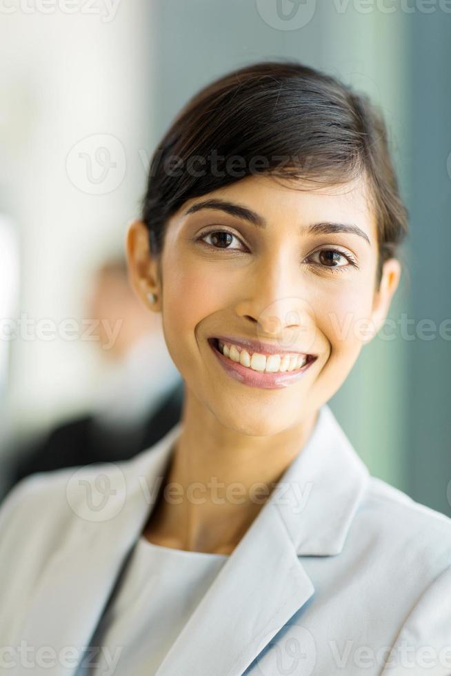 indisk affärskvinnastående foto