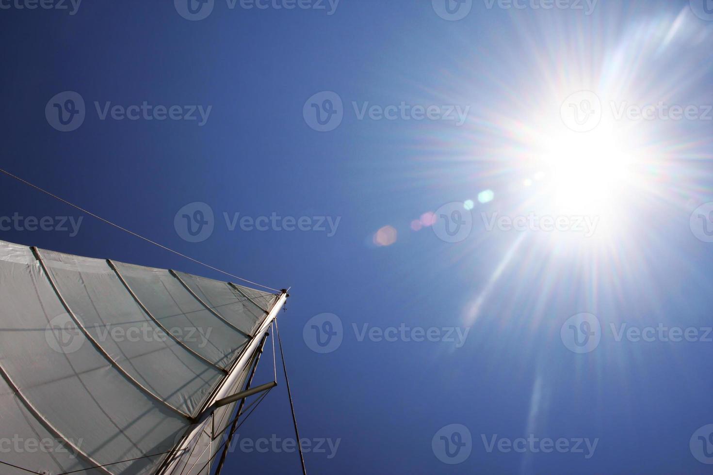 sol och segel foto