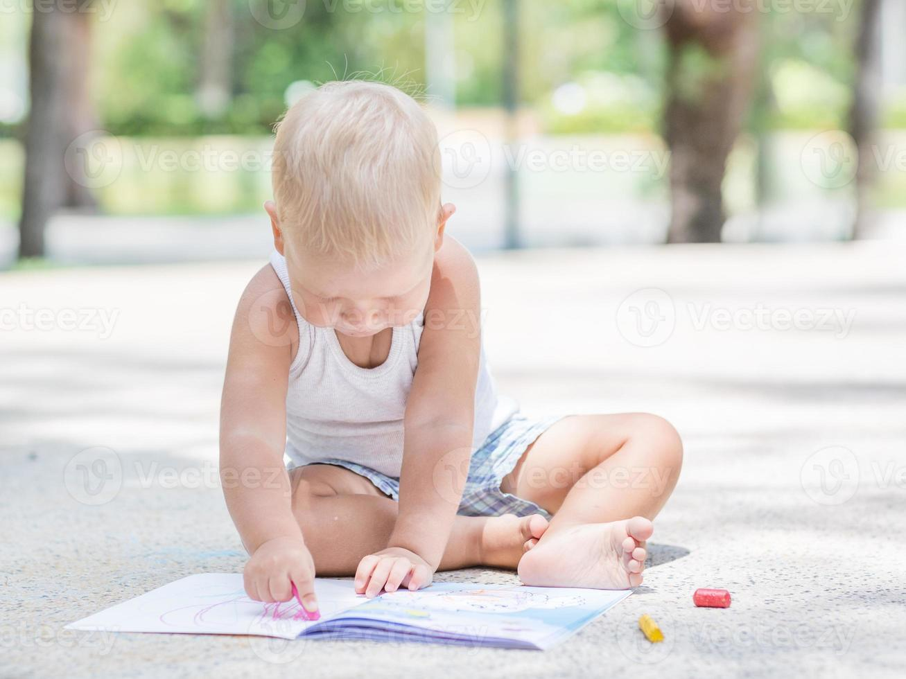baby målning foto