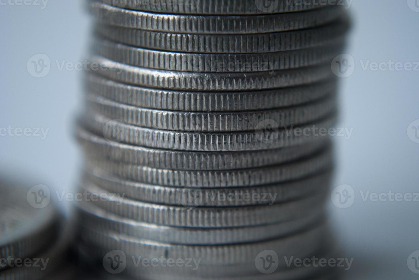 bunt med mynt foto