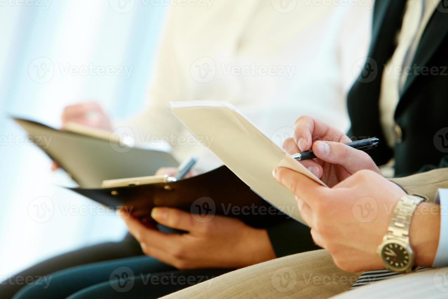 skriva rapport foto