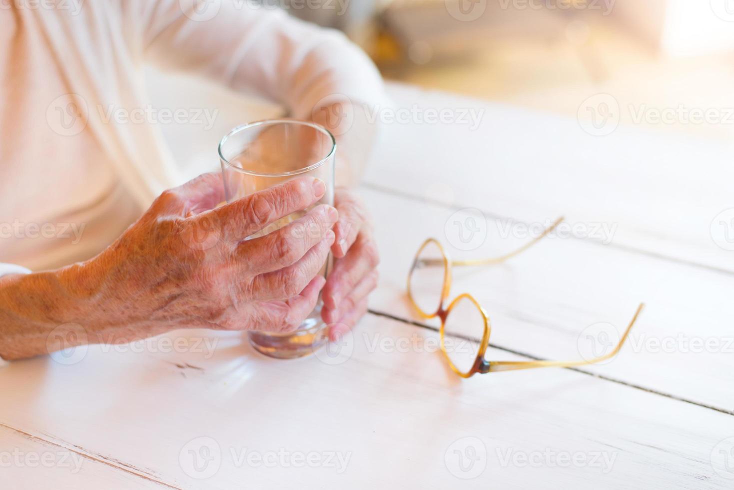 äldre kvinna foto