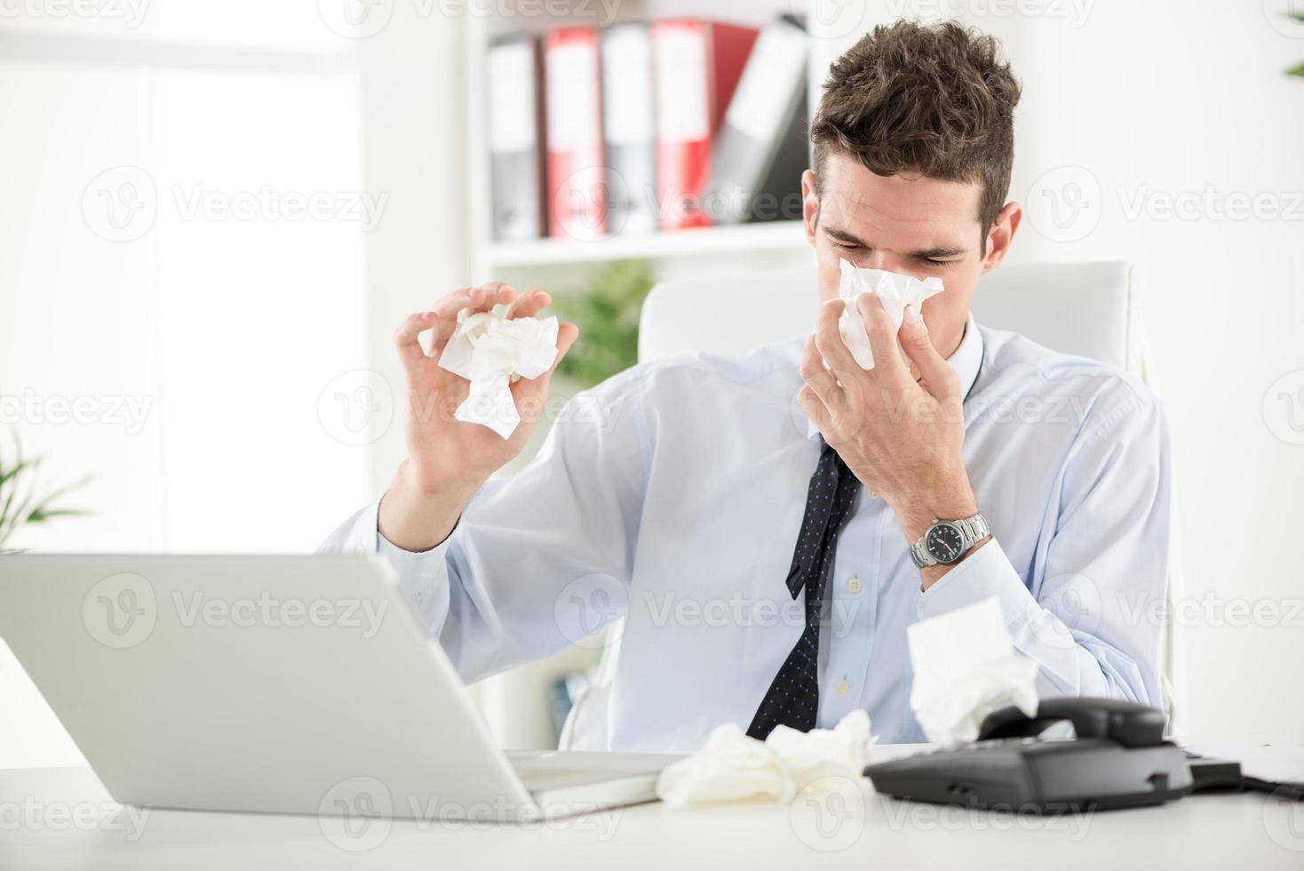 arbetar med allergi foto