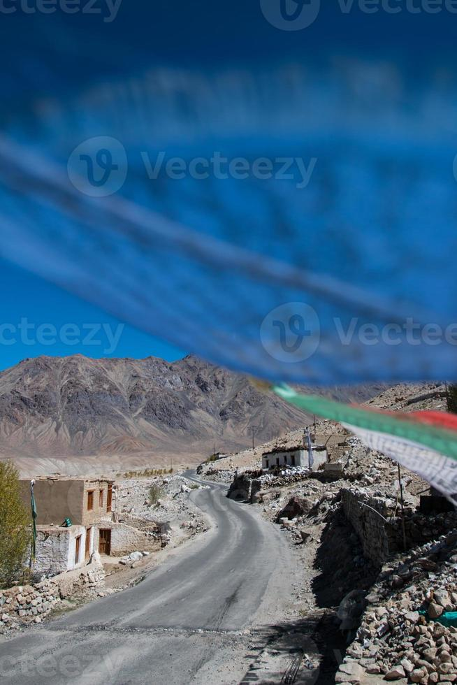 bön flagga på leh, ladakh, Indien foto