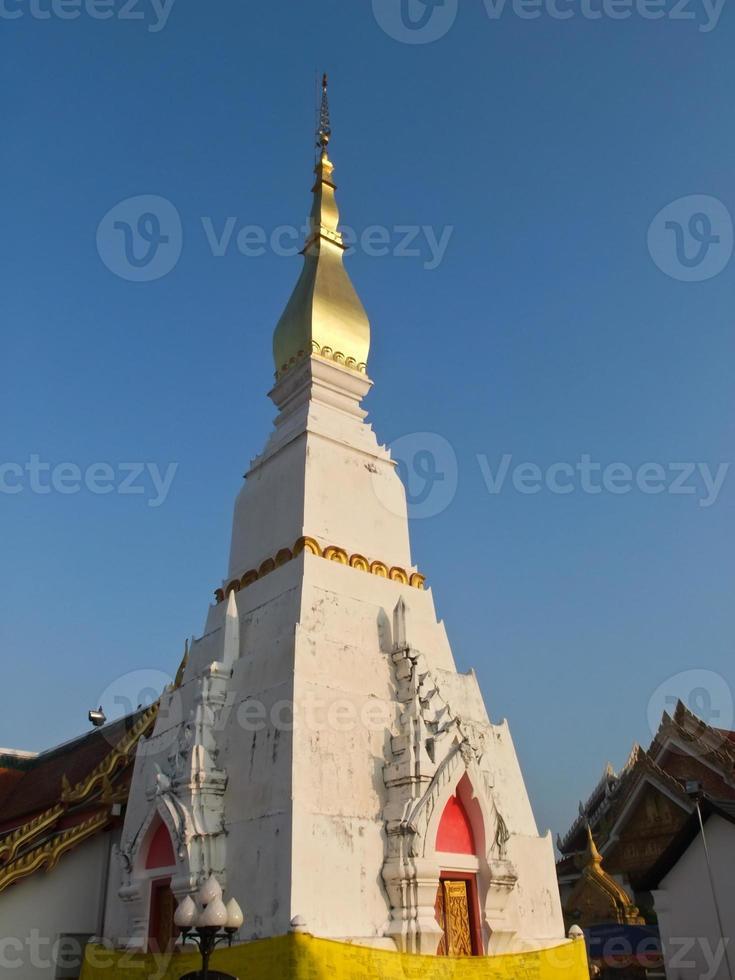 phra som choeng chum pagod i sakon nakorn, Thailand foto