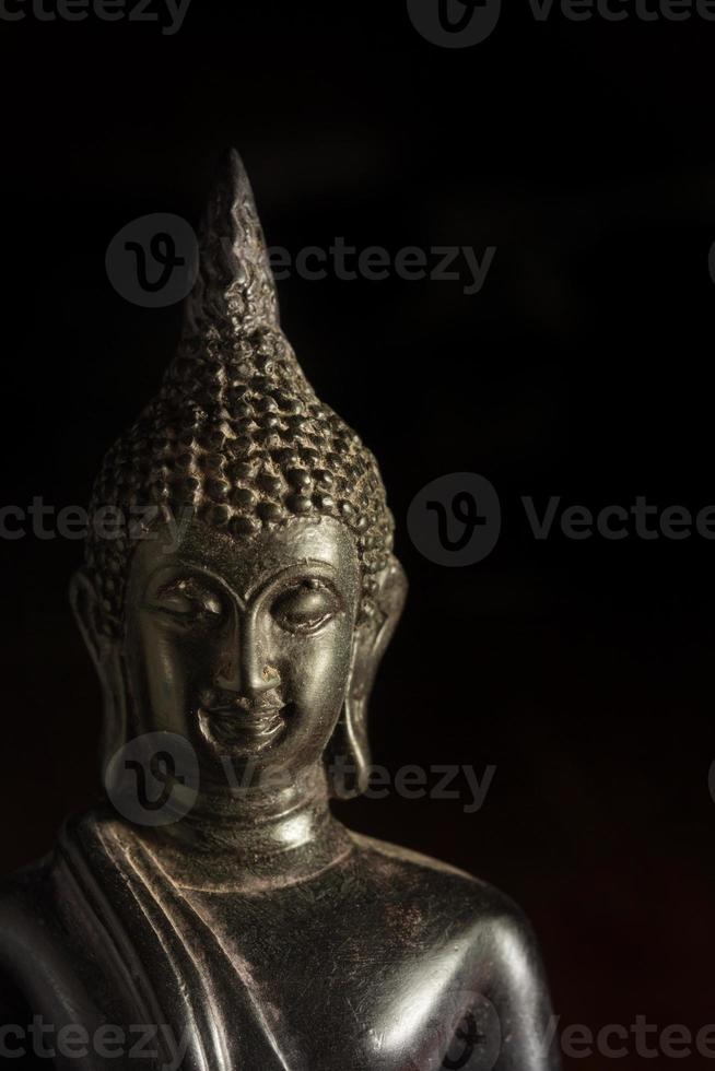 närbild buddha staty, tro eller sinne koncept. foto