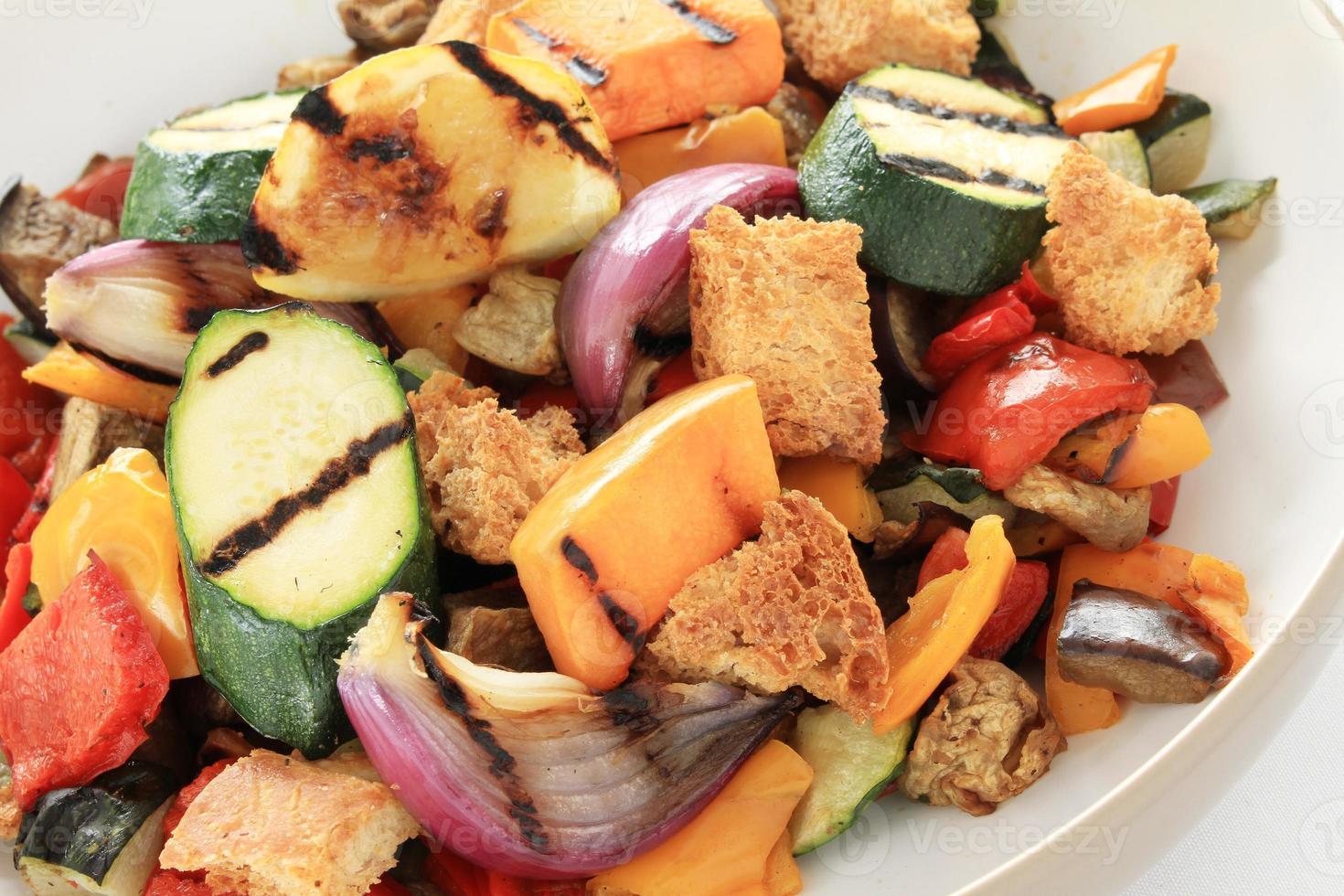 rostade grönsaker med balsamvinäger foto