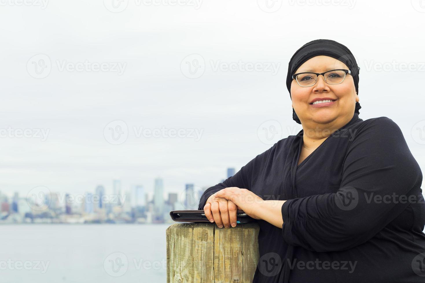 kvinna tycker om livsstil efter operationen foto