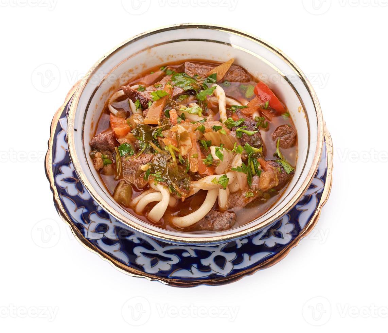 läcker kalvköttsoppasoppa med kött och grönsaker foto