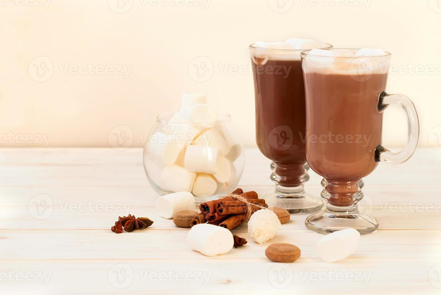 kakaodrink med marshmellows foto