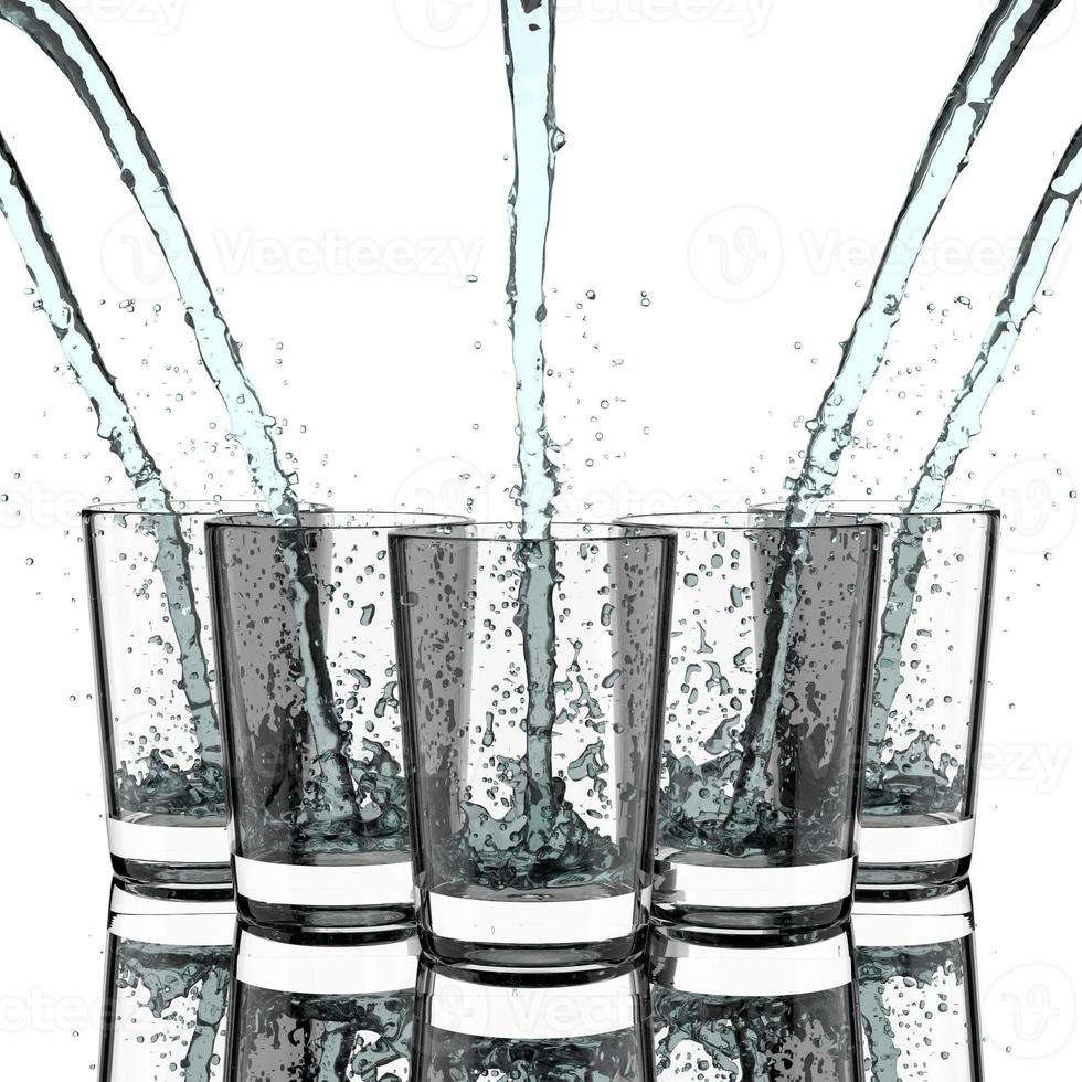 dricker vatten. foto
