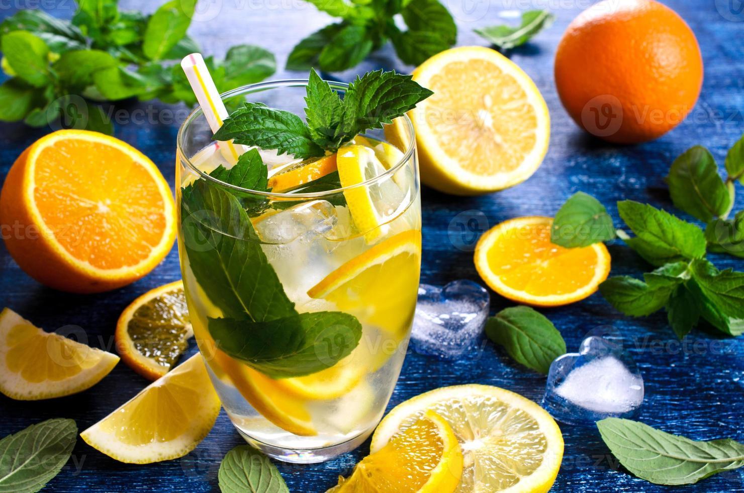 dryck med citrus foto