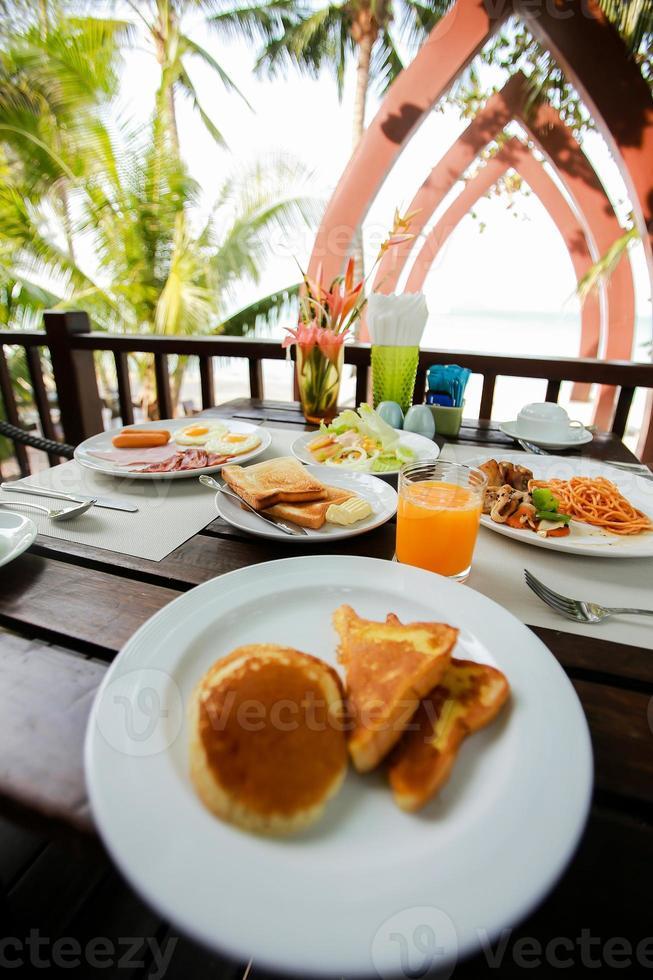 frukostmat och drycker foto