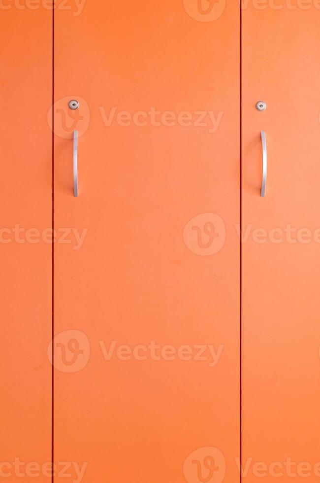 orange skåpdörr foto